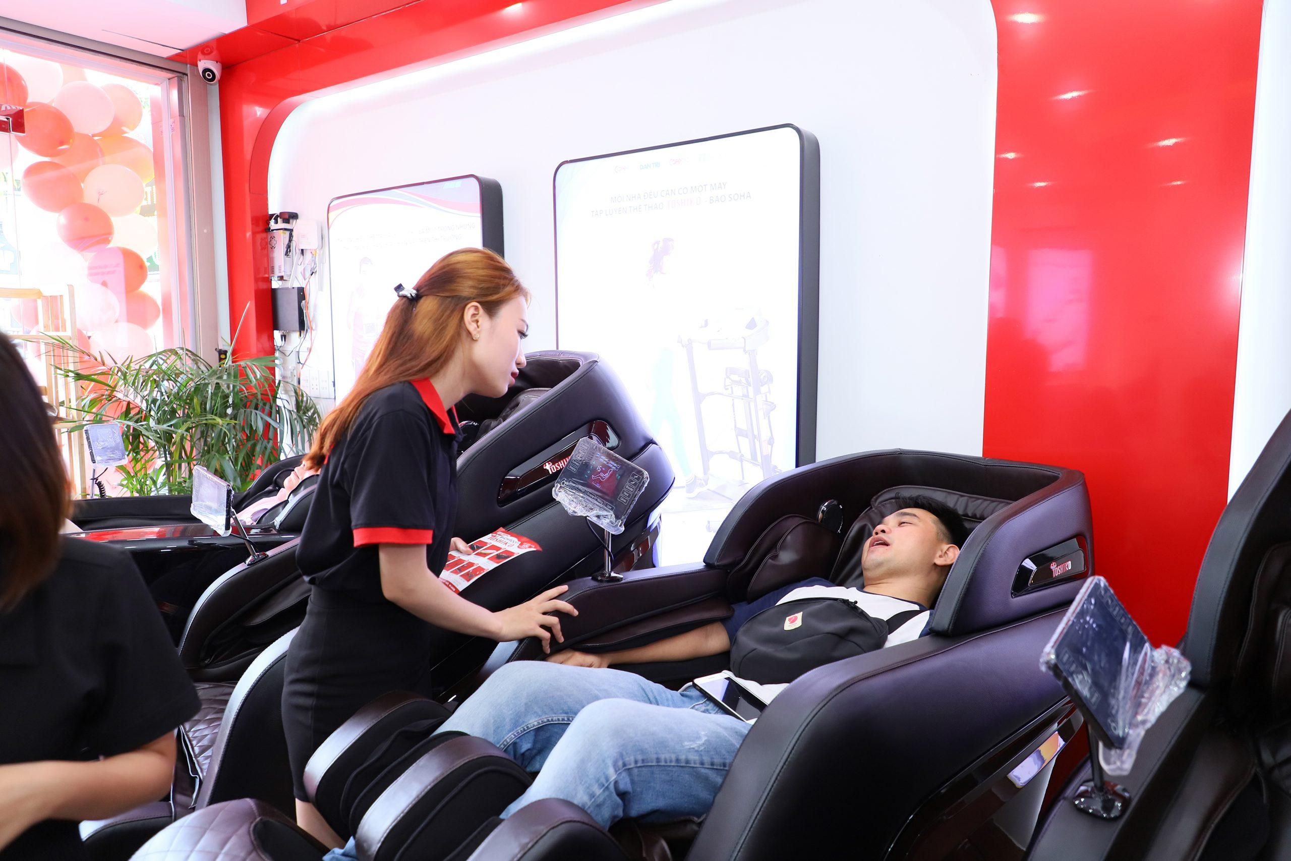 Ghế massage toshiko có phải nhập khẩu nguyên chiếc từ Nhật?
