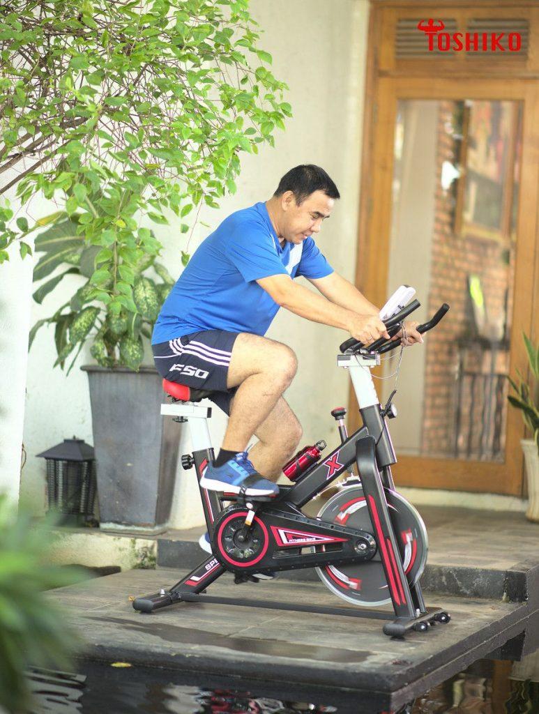 xe đạp tập chân