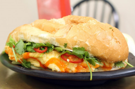 Ăn bánh mì nhiều có béo không