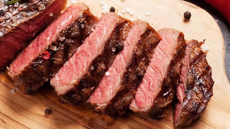 100g thịt bò chứa bao nhiêu protein