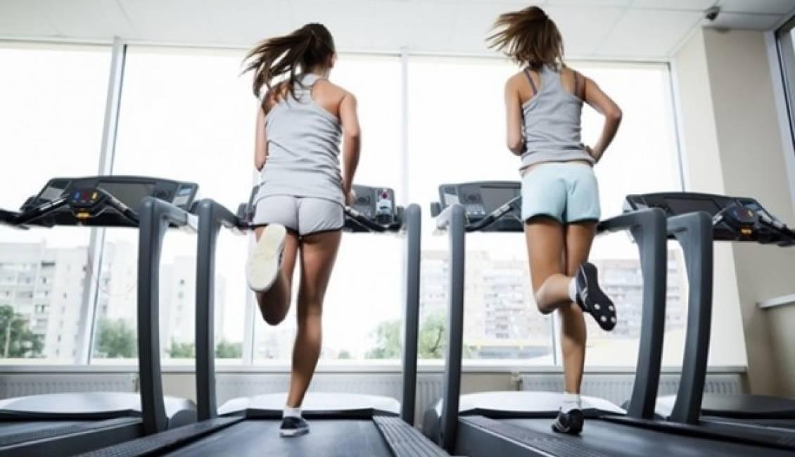 Tập máy chạy bộ giúp cải thiện giấc ngủ