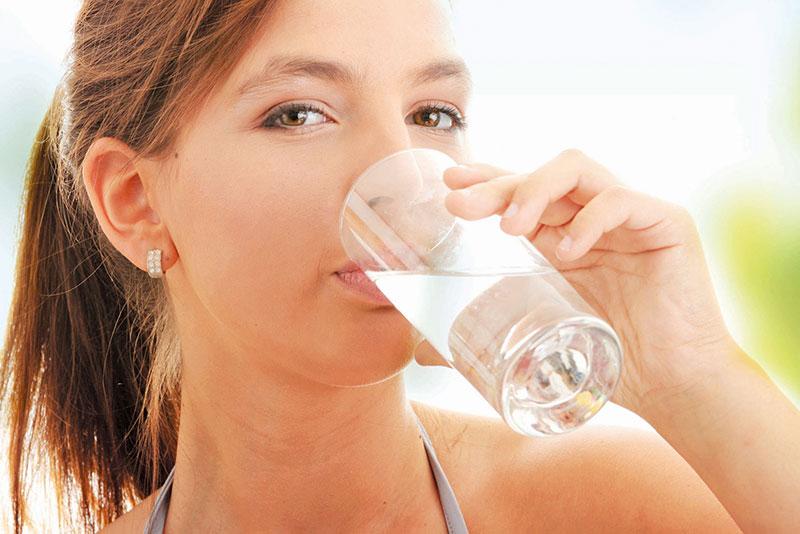 Lợi ích khi uống đủ nước trong mùa dịch -2