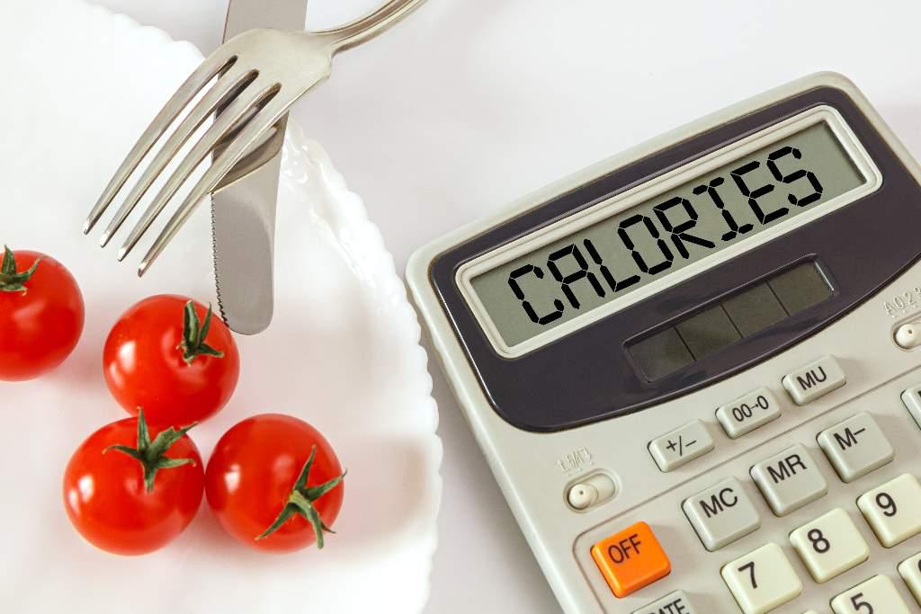 Lượng calo trong thức ăn: cách tính và sai lầm khi cắt giảm calo