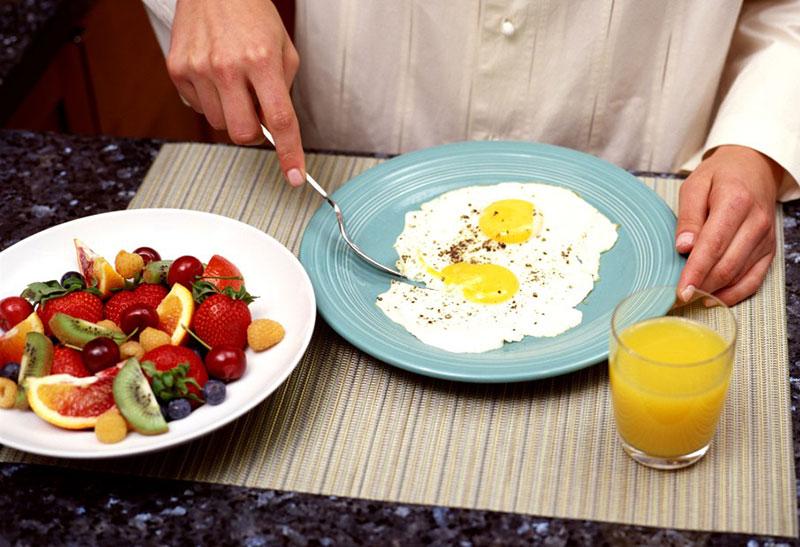 Sai lầm khi cắt giảm lượng calo trong thức ăn hàng ngày