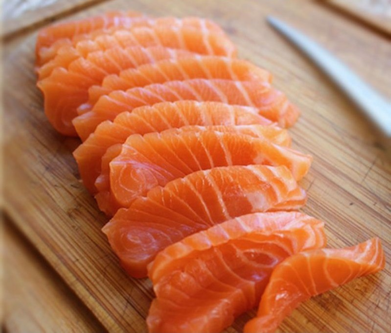 bổ sung vitamin C từ cá hồi