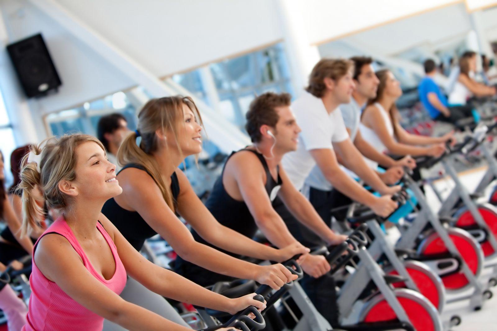 xe đạp tập phòng gym
