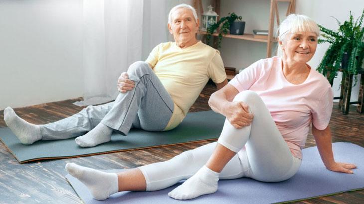 Lưu ý khi tập yoga cho người cao tuổi