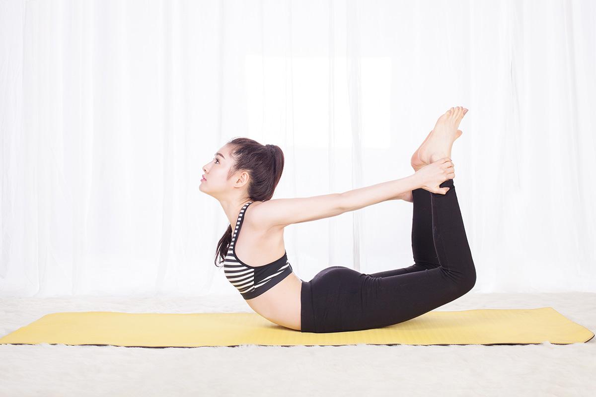 bài tập yoga giảm mỡ bụng tại nhà cho nữ