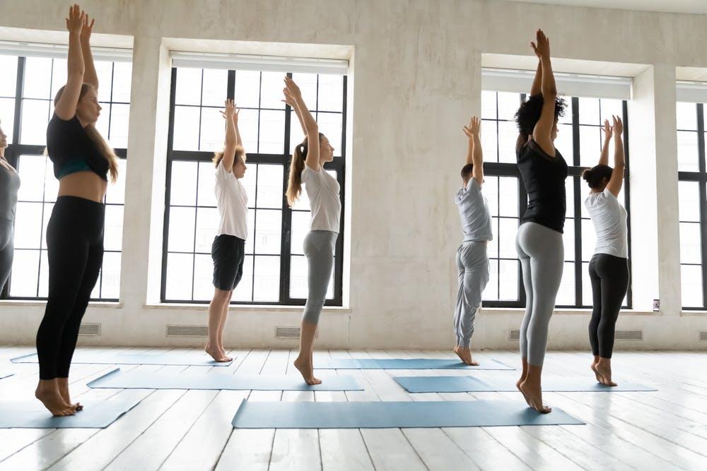 tư thế ngọn núi trong Yoga Flow