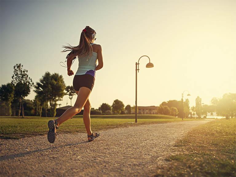 5 bài tập thể dục giảm cân buổi sáng được yêu thích nhất
