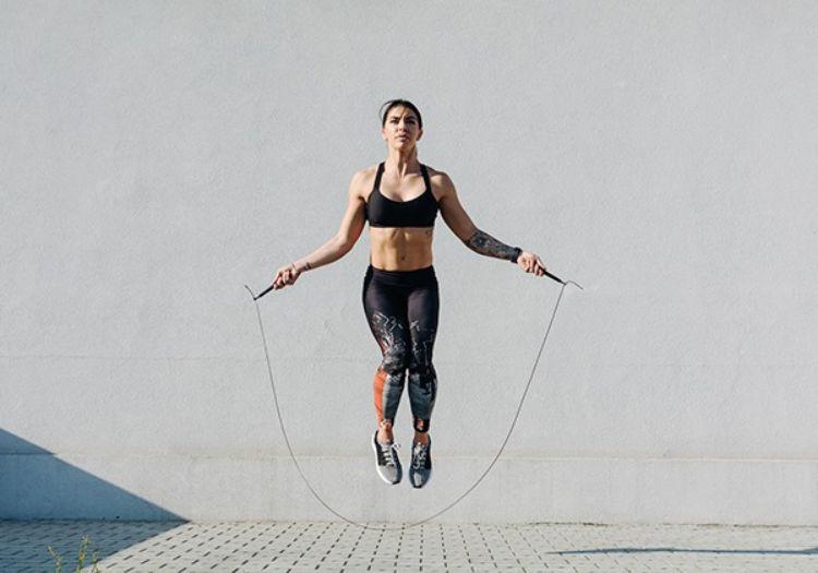 Tác dụng của nhảy dây đối với nữ giới nhất định phải biết
