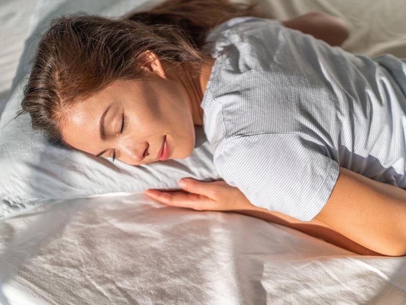 tư thế ngủ giảm mỡ bụng -2