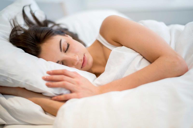 tư thế ngủ giảm mỡ bụng -1