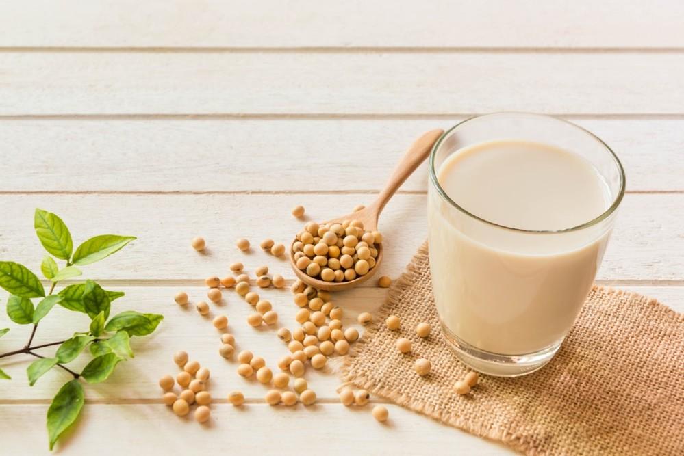 uống sữa đậu nành buổi sáng giảm cân-1