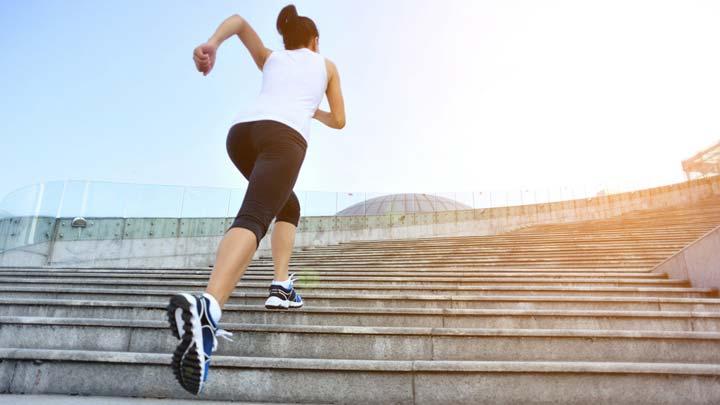 Hướng dẫn leo cầu thang đúng cách
