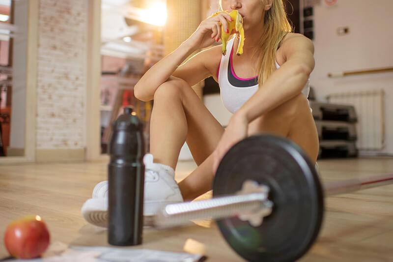 Tập gym nên ăn chuối gì? Ăn chuối có giảm cân không?